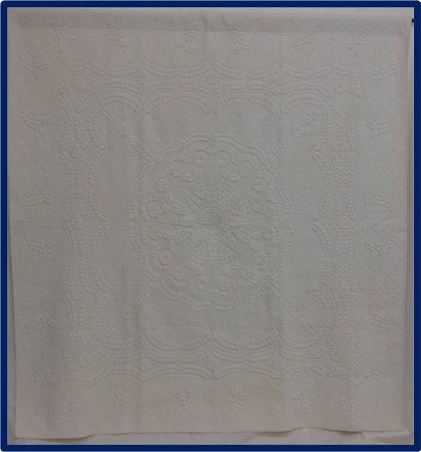 2011 Best Machine Quilting: Study in White by Frances Arnold